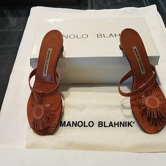 Manolo Blahnik Shoes - Manolo Blahnik kitten heels